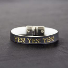 yes-yes-yes-preto